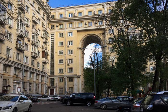 Квартиры в этом красивом и необычном доме очень просторные / Фото: commons.wikimedia.org