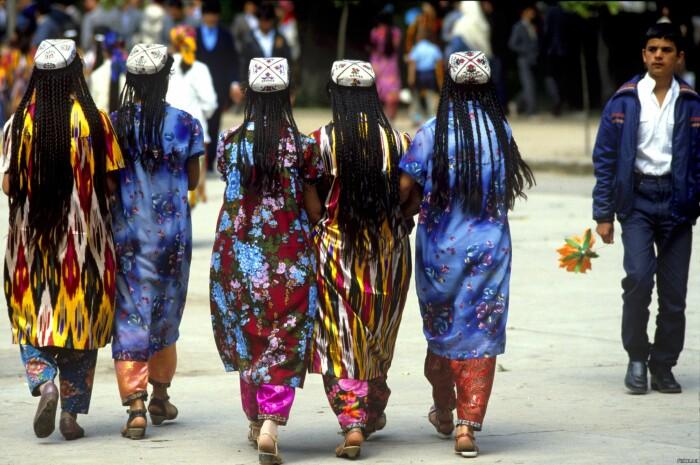 Даже в наше время в Узбекистане к длинным волосам относятся с особым трепетом / Фото: almode.ru