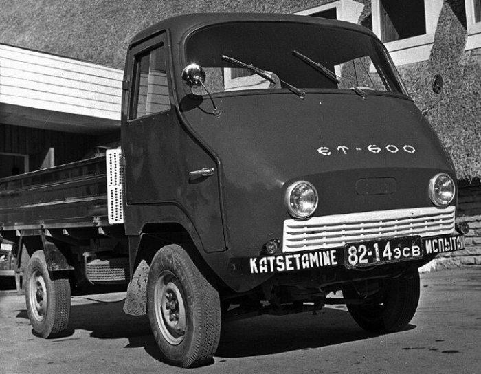 ЭТ-600 мог разгоняться до 80 км/ч и при этом расходовал 7-8 литров бензина / Фото: yandex.ua