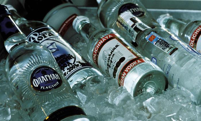 Водка - это заводской продукт. /Фото: professionali.ru.