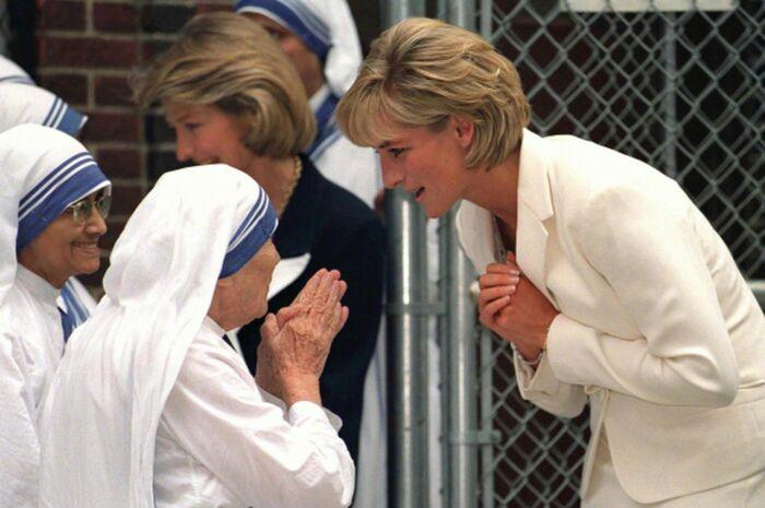 Мать Тереза поддержала развод подруги принцессы Дианы