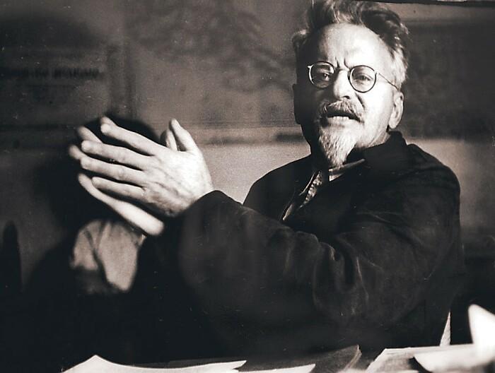 Лев Троцкий был неплохим оратором и добротным писателем. /Фото: bezformata.com.