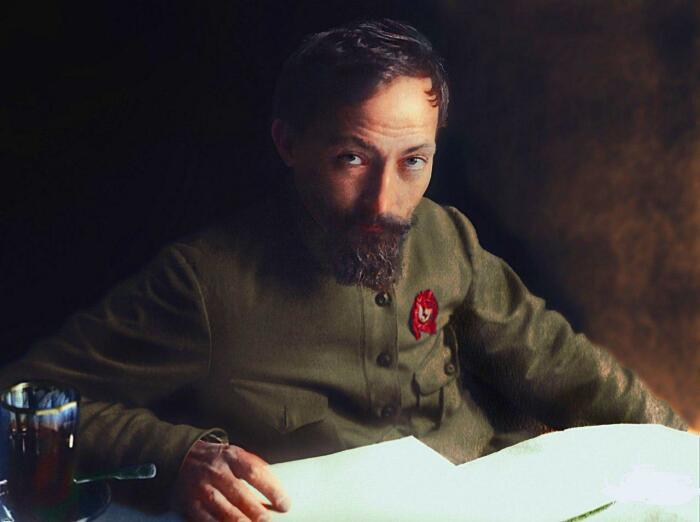 Дзержинский в молодости обожал работать под прикрытием сам, а потому просто брал себе случайные имена. /Фото: sharknews.ru.