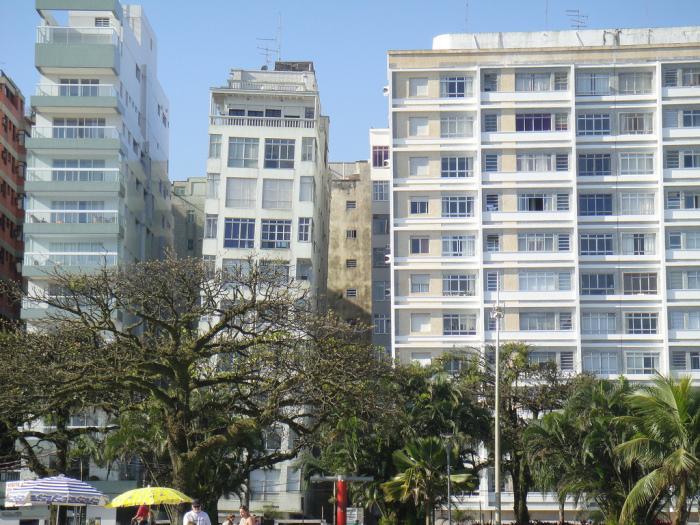 Около сотни высоток начали крениться вскоре после окончания строительства (Сантос, Бразилия). | Фото: terra-z.com.