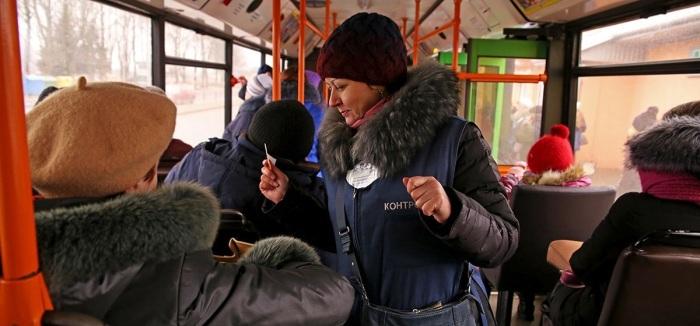 Быть высаженным из автобуса не очень-то хочется / Фото: Яндекс.Новости
